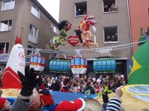 Rosenmontagszug 2013_Köln_Zuckerhut Wagen